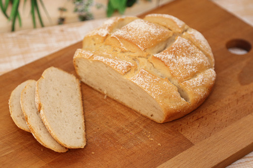 Pampered Chef Weizen-Joghurt-Brot angeschnitten von oben