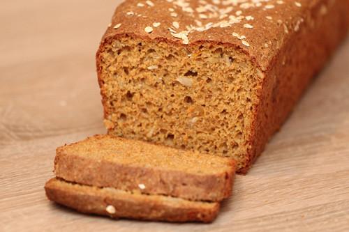 Pampered Chef Dinkel-Möhren-Brot